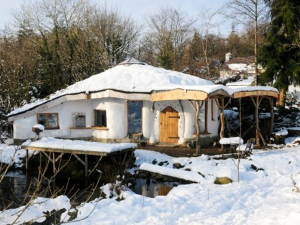 eco home in winter